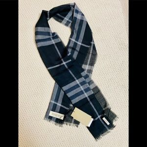 Burberry Brit Scarf - Brand new